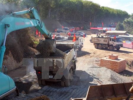 Ministry aims to build more roads in Central Highlands