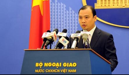 Vietnam closely monitors Chinese ship entering its waters