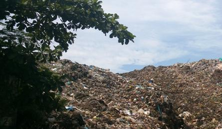 Landfill makes life unbearable for Thanh Hoa residents