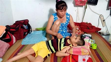 Mother struggles to support cerebral palsy son