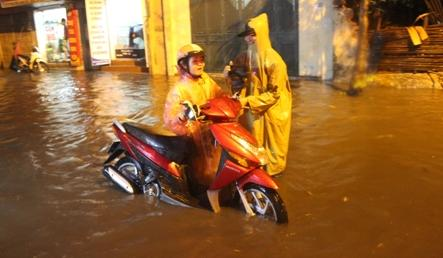 Hanoi authorities make ambitious flood pledge for National Day