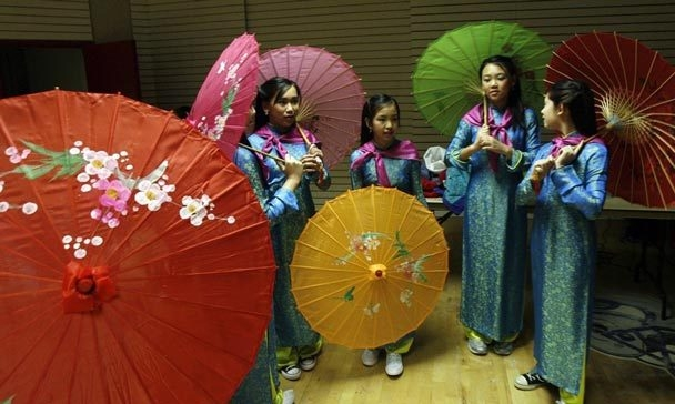 Tet traditions usher in New Year at Seattle Center