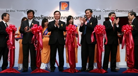 Vietnam's Petrolimex launches member company in Singapore