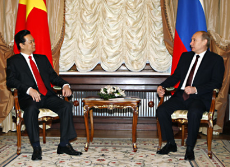 Russia, Vietnam sign nuclear, other energy deals