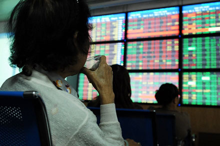 Vietnam to boost stocks liquidity by loosening rules on selling