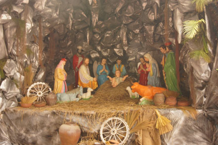 Merry Christmas atmosphere livens up nation