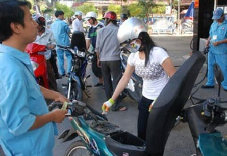 Vietnam drops petroleum import taxes in hopes of relief