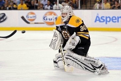 Bruins rout Canucks to knot Stanley Cup