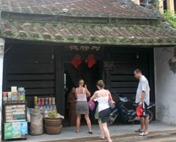 Historic Hoi An houses at risk of collapse