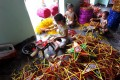 Star-shaped lantern making village busy before Mid-autumn Festival